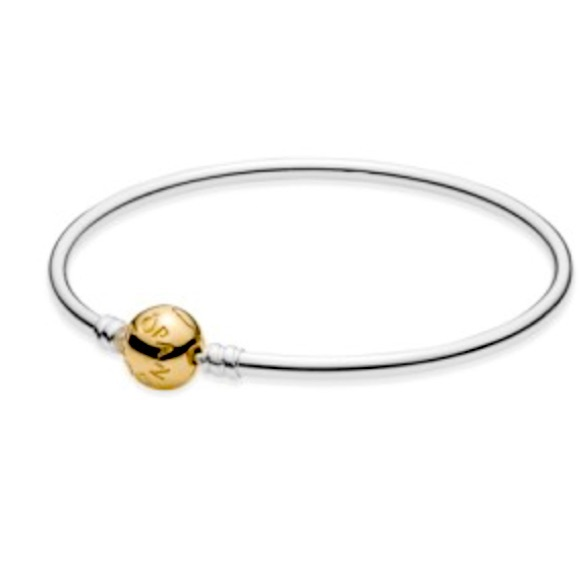 Pandora Moments Gold clasp Bracelet